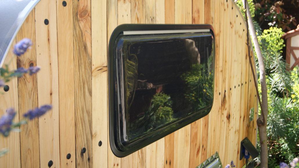 teardrop ma cabane du canada fenetre Teardrop en bois